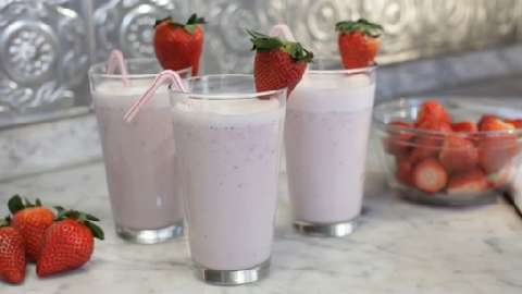 how to make a strawberry smoothie thicker