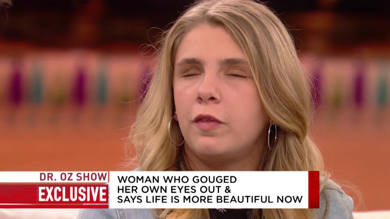 Dr  Oz Takes a Closer Look at Kaylee Muthart's Eye Area