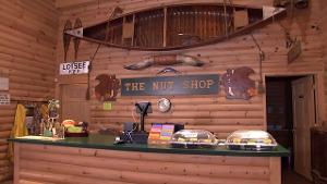 Flying G Ranch Nut Shop