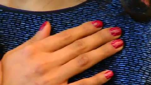 Nail art do it yourself with the glitter fade manicure canadian living diy nail art the negative space mani solutioingenieria Choice Image