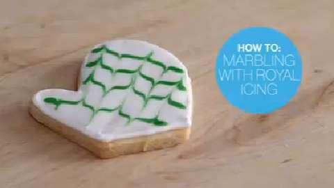 How to: Marbling with royal icing