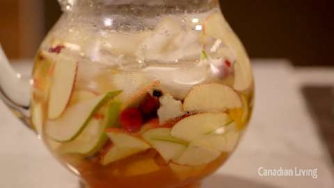 How to make Sparkling White Winter Sangria