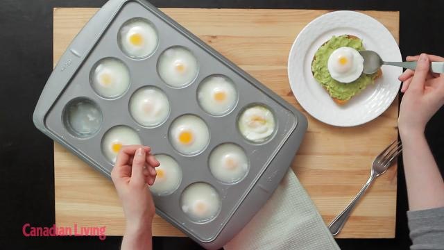 How to poach 12 eggs at a time