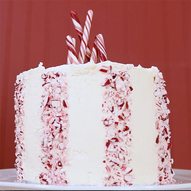 How to decorate a cake: Festive peppermint decor