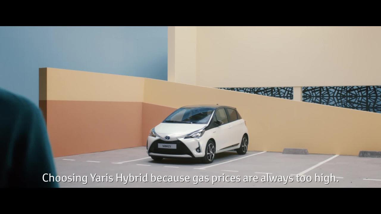 From props to media buy, every single element of this Toyota Yaris ad is French
