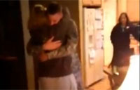 Soldier Surprises Mom on Thanksgiving