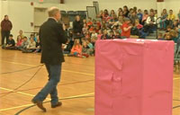 Soldier in Pink Box Surprises Daughter