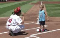 Soldier Surprises Kids at Cardinals Game