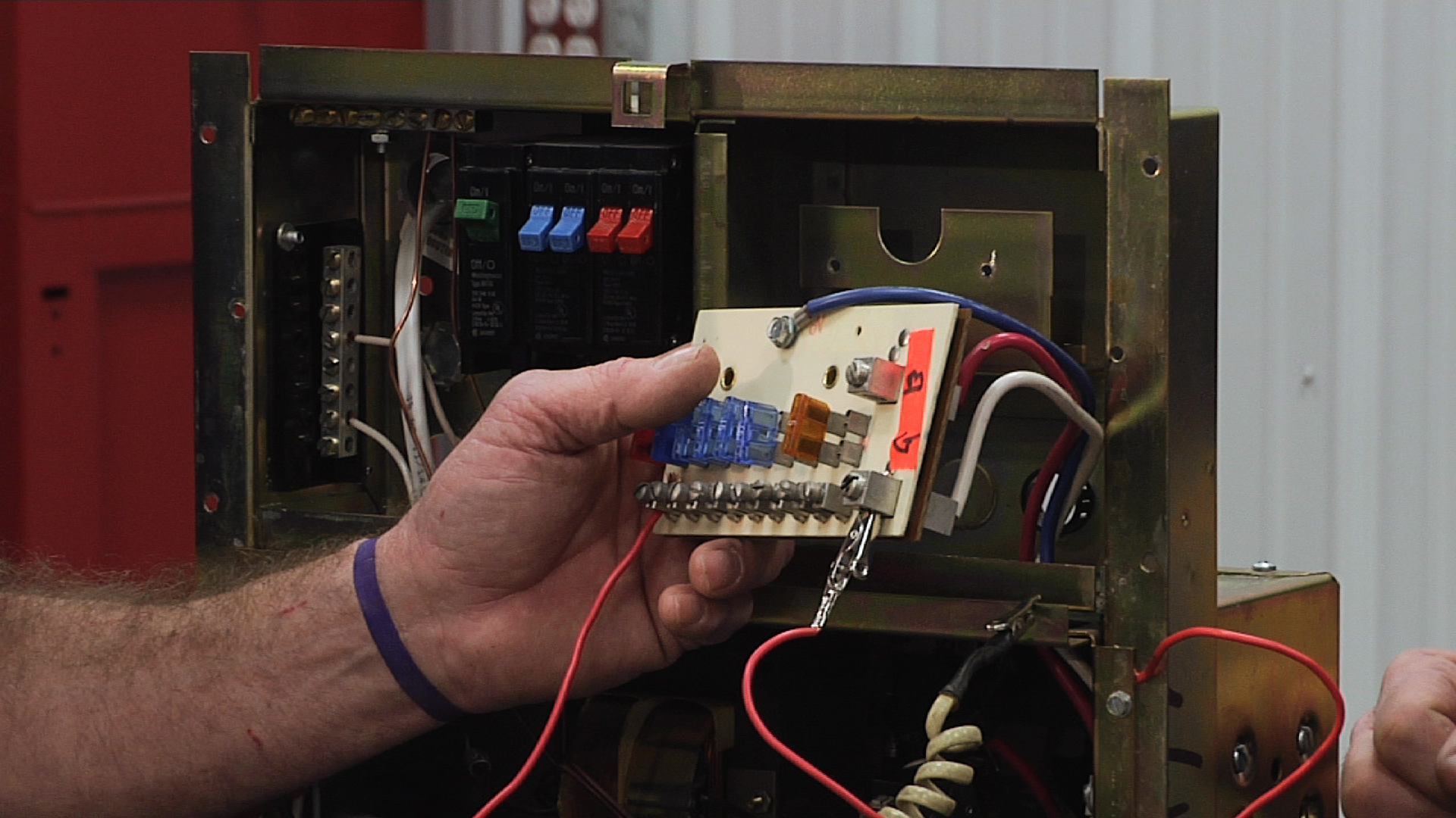 understanding the fuse components of an rv distribution panel 1991 Coleman Pop Up Camper