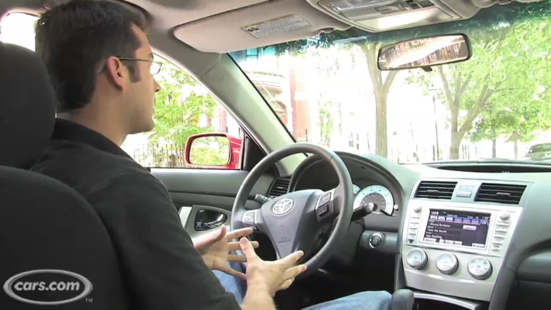 Toyota Sienna 2010-2018 Owners Manual: Openingclosing the back door from inside the vehicle (vehicleswith power back door)