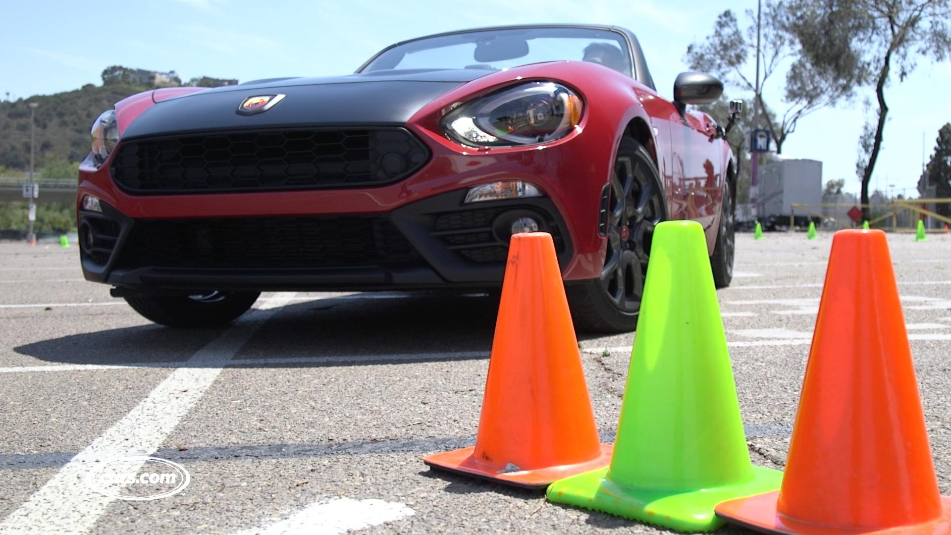Video: 2017 Fiat 124 Spider Abarth: Autocross