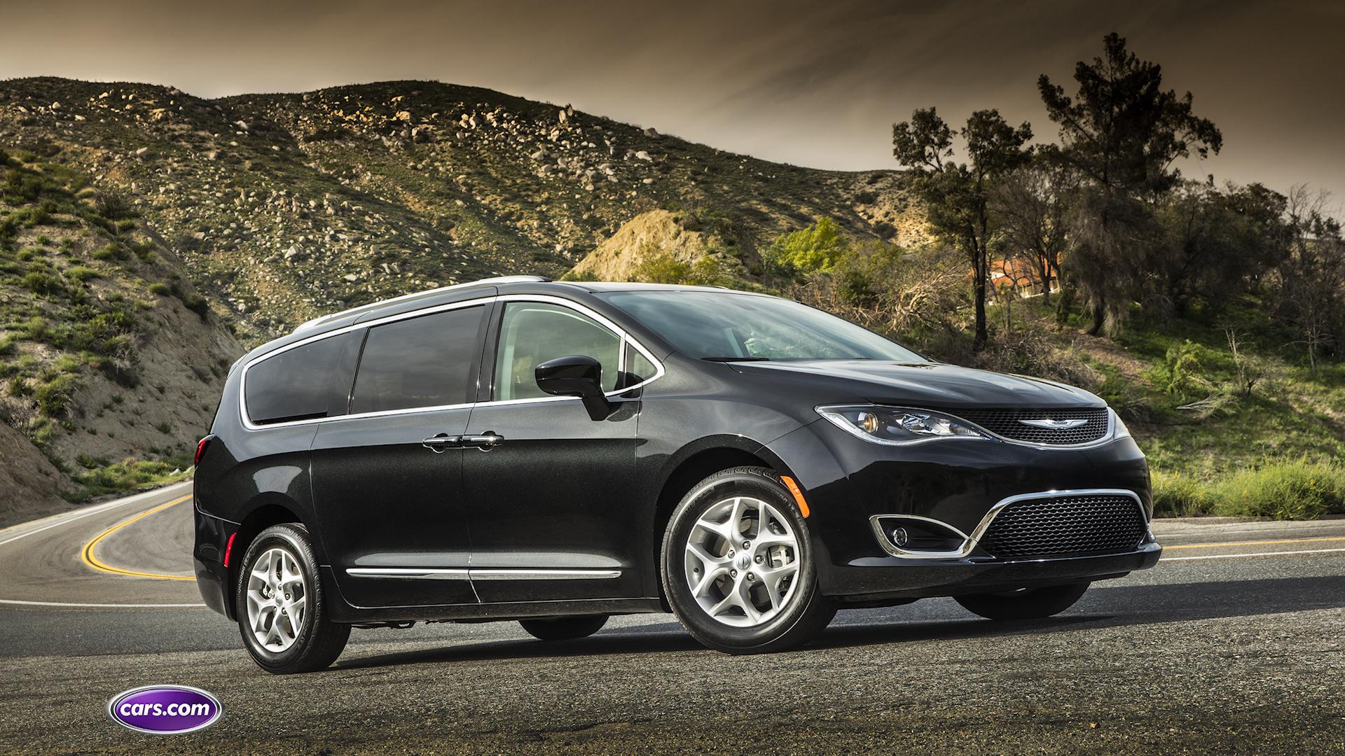 Video: 2017 Chrysler Pacifica: Hands-Free Sliding Doors