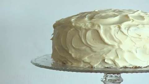 How to ice a four-layer cake