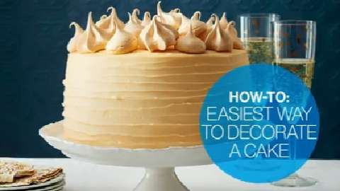 The easiest way to decorate a cake