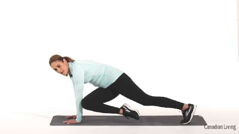Cross-body mountain climbers: The calorie-burning core exercise