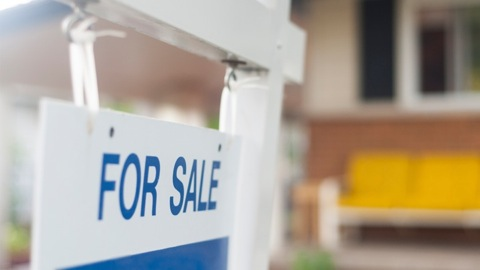 8 Tips To Sell Your Home Without An Agent