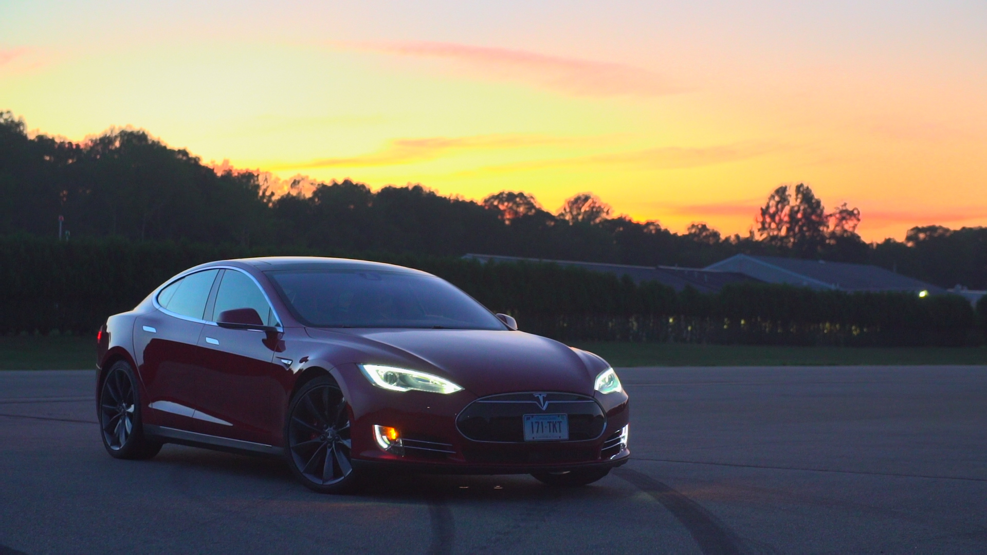 tesla model s p85d earns top road test score consumer reports. Black Bedroom Furniture Sets. Home Design Ideas