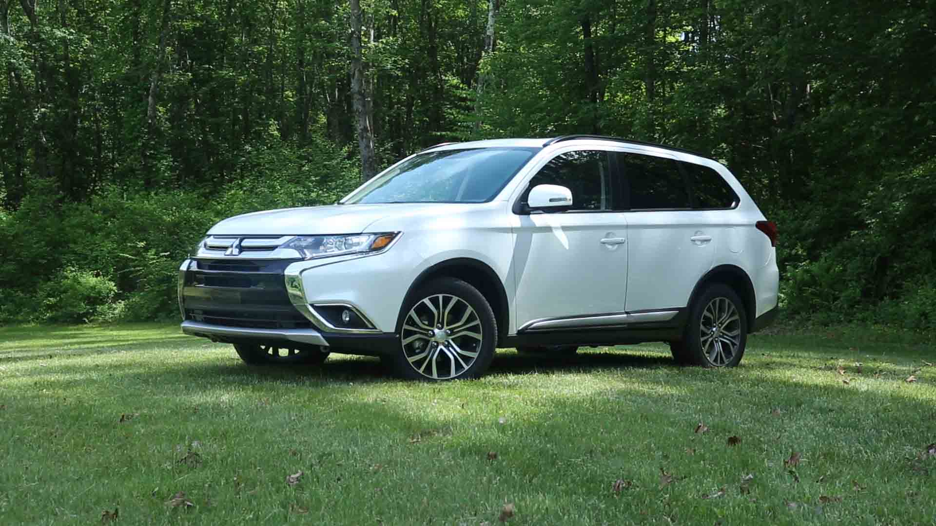 2016 mitsubishi outlander pricing for sale edmunds autos. Black Bedroom Furniture Sets. Home Design Ideas