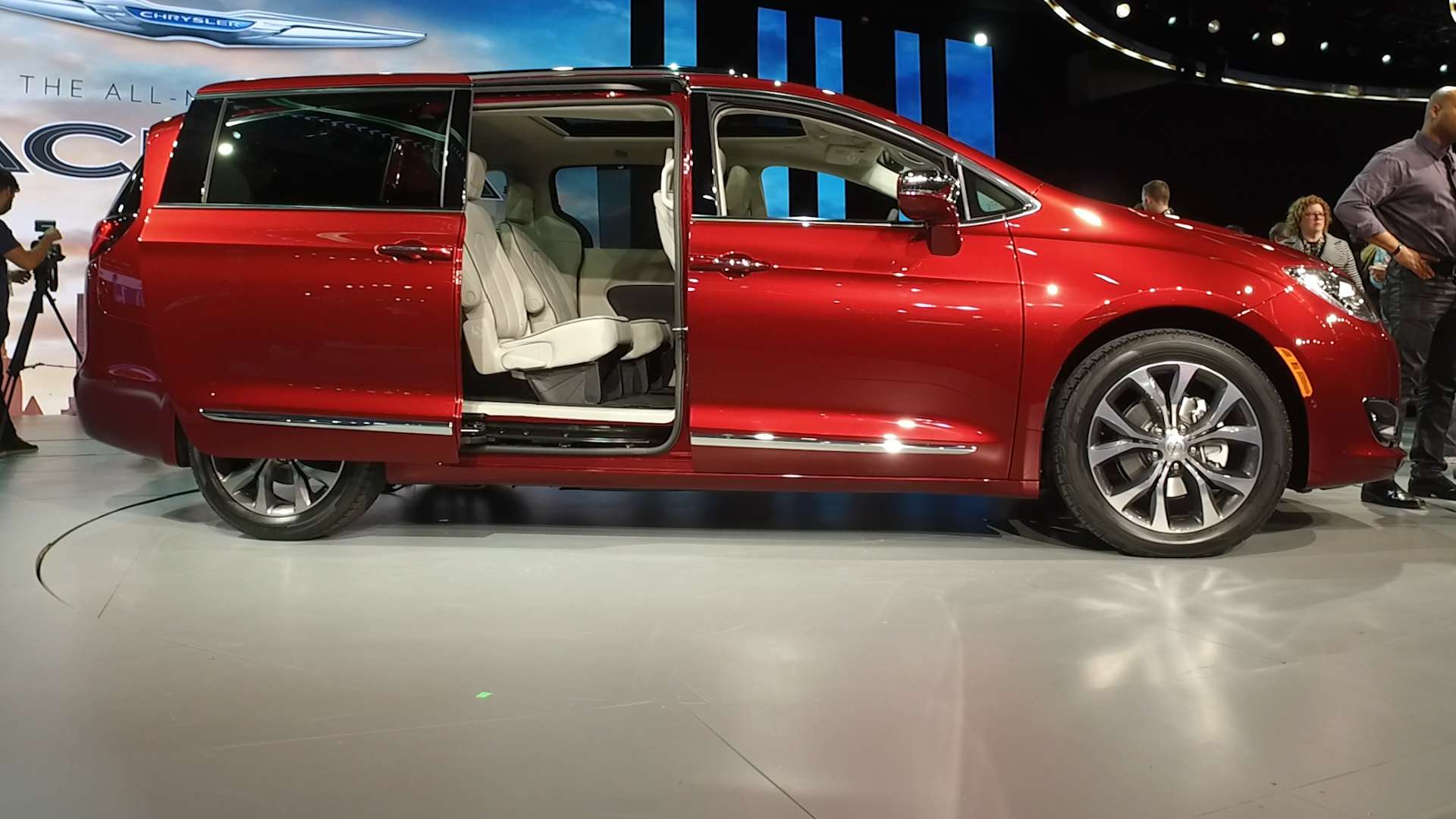 2017 Chrysler Pacifica Aims to Reinvent the Minivan  Consumer Reports