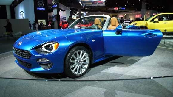 Fiat's 124 Spider Says 'Miata' in Italian