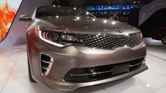 2016 Kia Optima Builds on Model's Success