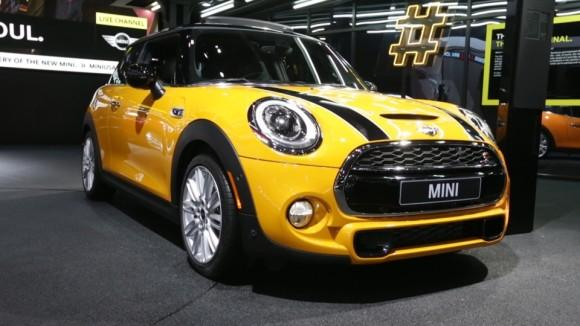 2015 Mini Cooper at the Detroit Auto Show