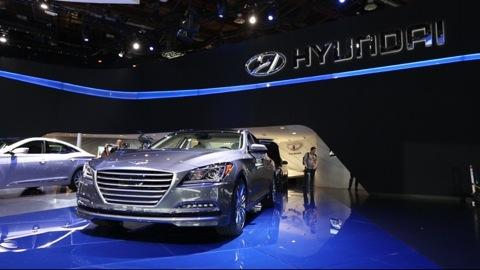 2015 Hyundai Genesis at the Detroit Auto Show