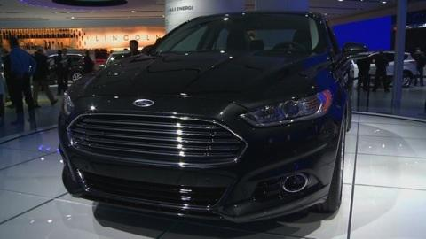 Detroit Auto Show: 2013 Ford Fusion