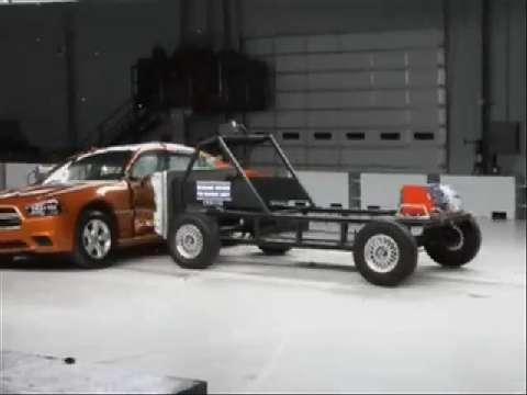 Dodge Charger crash test 2011-2012
