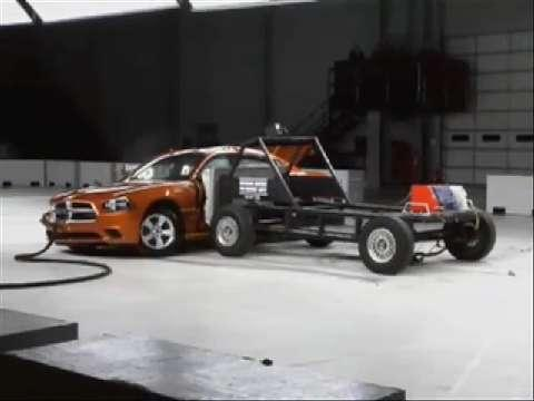 Chrysler 300 crash test 2011-2012