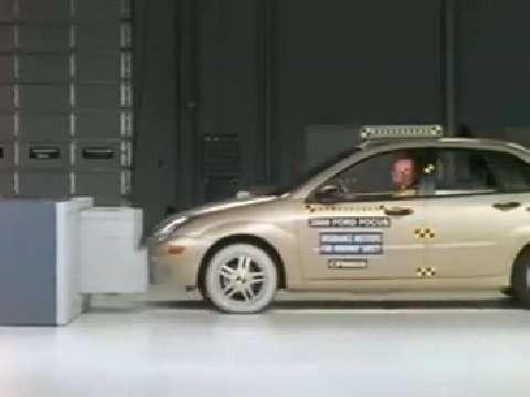 Ford Focus crash test 2000-2007