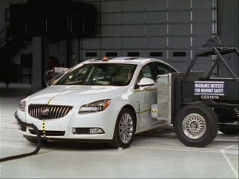 Buick Regal crash test 2011-2012