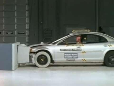 Dodge Stratus crash test 2001-2006