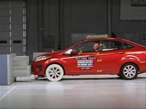 Ford Fiesta crash test 2011