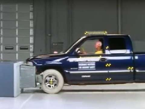 Chevrolet Silverado 1500 crash test 1999-2006