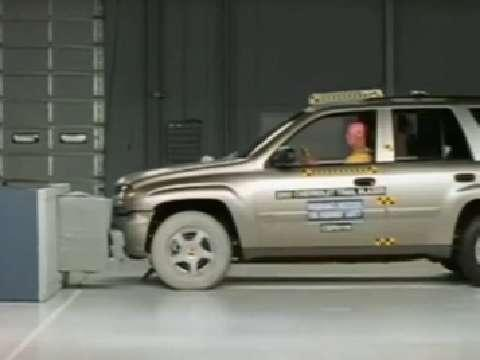Chevrolet TrailBlazer crash test 2002-2004