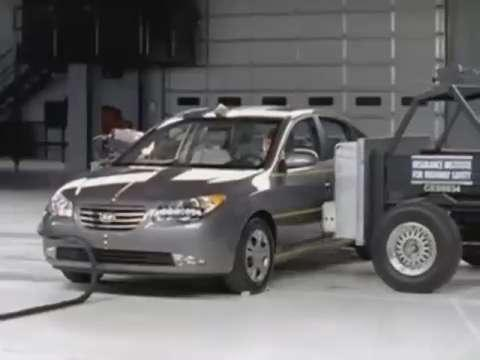 Hyundai Elantra crash test 2010-2012