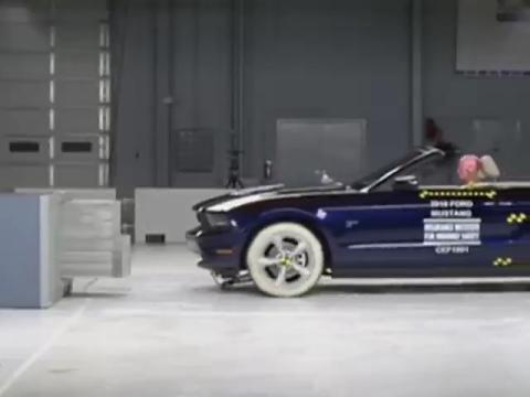 Ford Mustang Convertible crash test 2010-2011