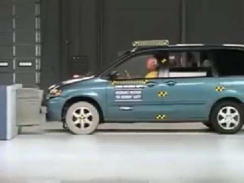 Mazda MPV crash test 2000-2006
