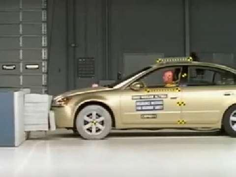 Nissan Altima crash test 2002-2006