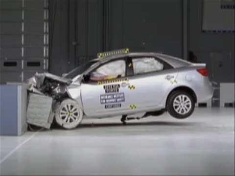 Kia Forte crash test 2010-2012