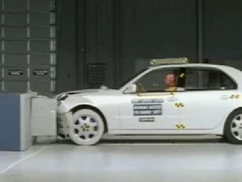 Lexus LS 430 crash test 2001-2006