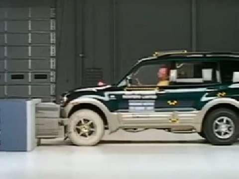 Mitsubishi Montero crash test 2001-2006