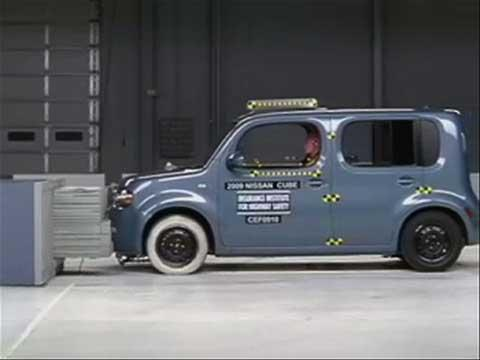 Nissan Cube crash test 2010-2011