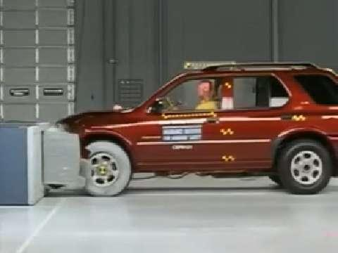 Isuzu Rodeo crash test 2002-2004