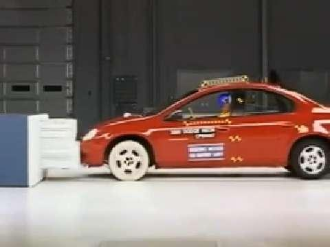 Dodge Neon SRT-4 crash test 2003-2005