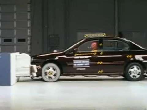 Chevrolet Malibu crash test 1997-2005
