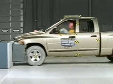 Dodge Ram 1500 crash test 2002-2005