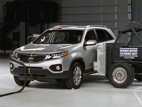 Kia Sorento crash test 2011