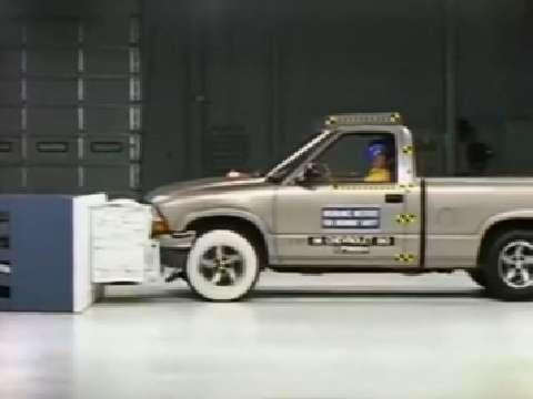 Chevrolet S-10 crash test 1998-2003